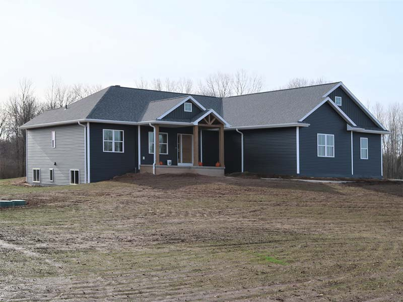 Ranch home with side garage