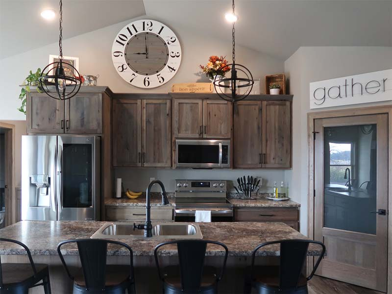 Kitchen design with island and pantry